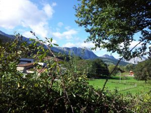 SENDERISMO y Nordic Walking: Mendiola, ruta a los pies del Untzillaitz @ San Julián de Musques o Somorrostro | País Vasco | España